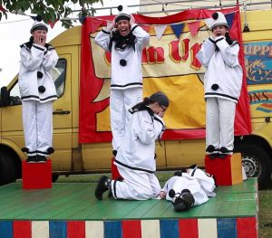 Chin-Up! Pierrot show